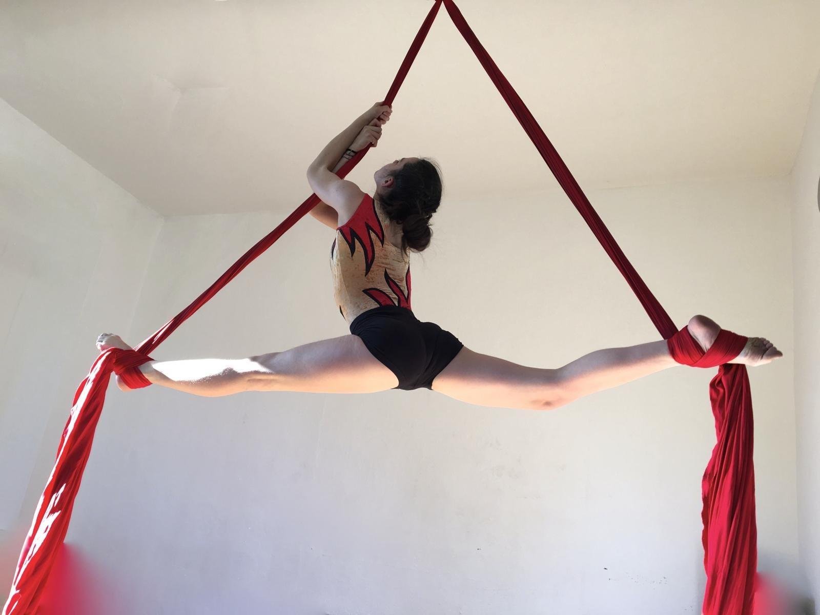 acrobazia in aria, tessuto
